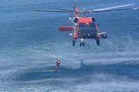 Rescueswimmerfreefall