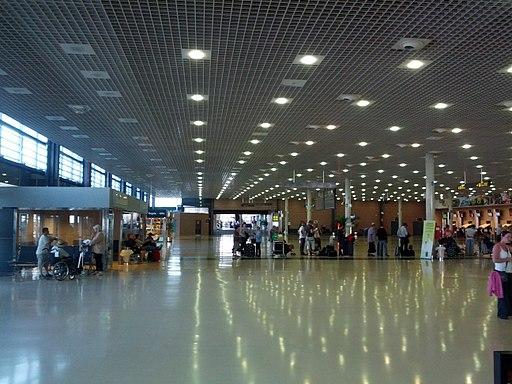 Reus airport terminal interior