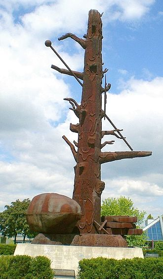 Jörg Immendorff - Cast steel sculpture Elbquelle (Riesa, 25m tall, erected 1999)