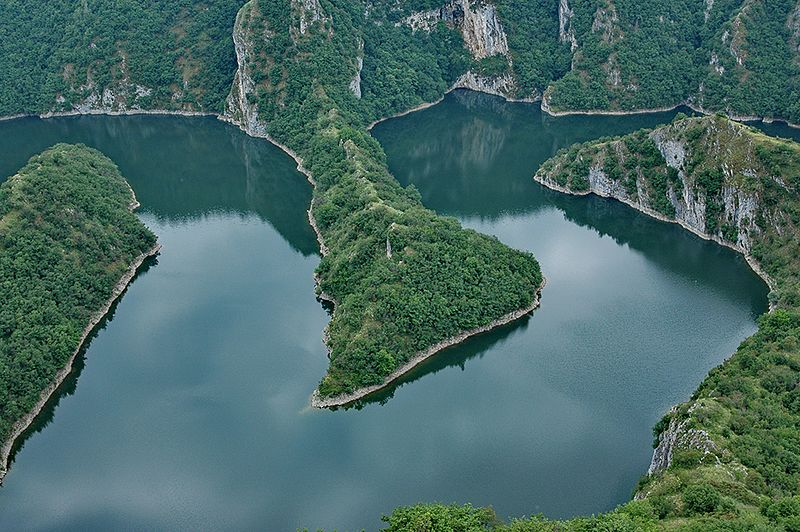 File:River Uvac in Serbia -152.jpg