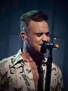 Robbie Williams, Roundhouse, London (Apple Music Festival) (29312033784).jpg
