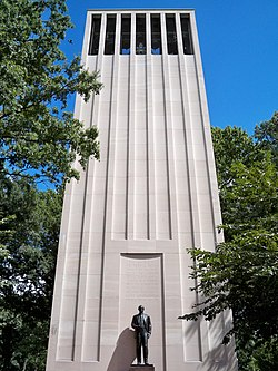 Robert Taft Memorial by Matthew Bisanz.JPG