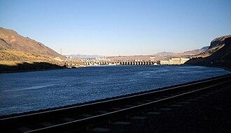 Rock Island Dam - Rock Island Dam from Washington SR 28