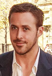 Ryan Gosling (30773438125) (cropped).jpg