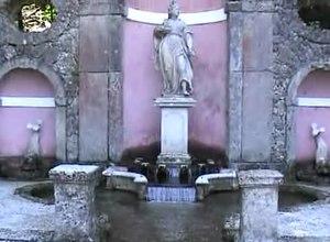 File:Salzburg-hellbrunn-wasserspiele.ogv