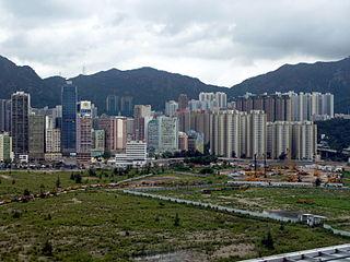 首批「港人港地」最終以高價售出,展示出所謂「港人港地」只不過是「只限香港人購買的豪宅」,根本無法紓緩香港日趨惡化的樓市問題。 (圖片:WiNG@Wikimedia)