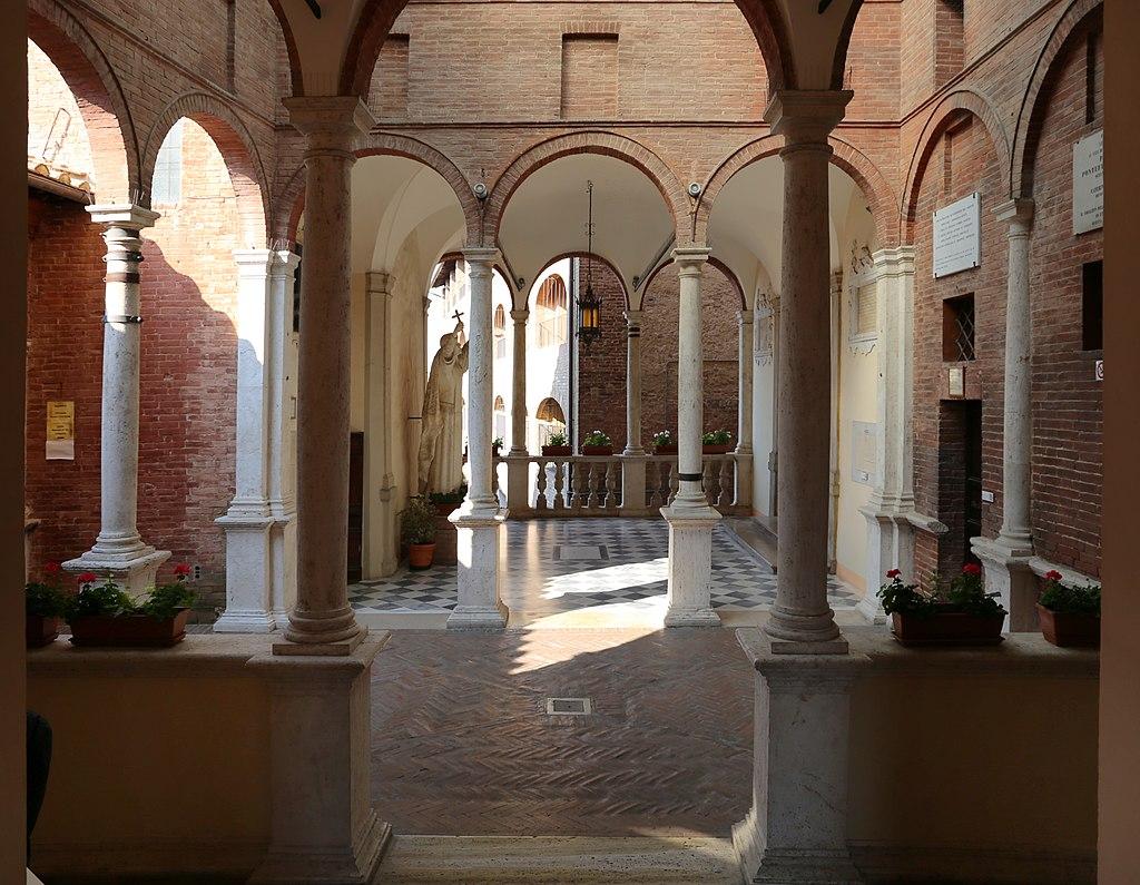 Loggiato cinquecentescoi del Santuario di Santa Caterina in Fontebranda