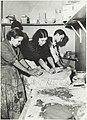 Savimassan alustusta, keramiikkataiteen osasto, 1930-luku.-TaikV 09 002.jpg