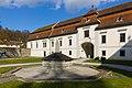 Schloss Auhof, Innenhof, 21.03.2016.jpg