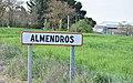Señal de entrada al término municipal de Almendros 01.jpg