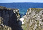 File:Sea cliffs and gully near Rubha A'Mhail - geograph.org.uk - 934903.jpg