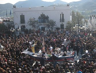 Skyros - 2013-03 - Carnaval place centrale (dimanche).JPG