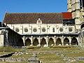 Soissons (02), abbaye Saint-Jean-des-Vignes, réfectoire et cloître gothique, vue depuis l'est 2.jpg