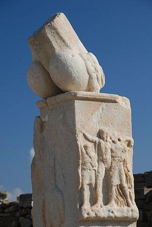 Stoibadeion - Southern Pillar - Stoibadeion - Temple of Dionysus - Delos.