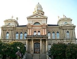 St Clairsville Ohio Courthouse.jpg