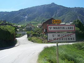 The road into Saint-Martin-d'Arc