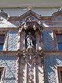 Standing woman statue, Thonet house (1888), 2017 Budapest.jpg