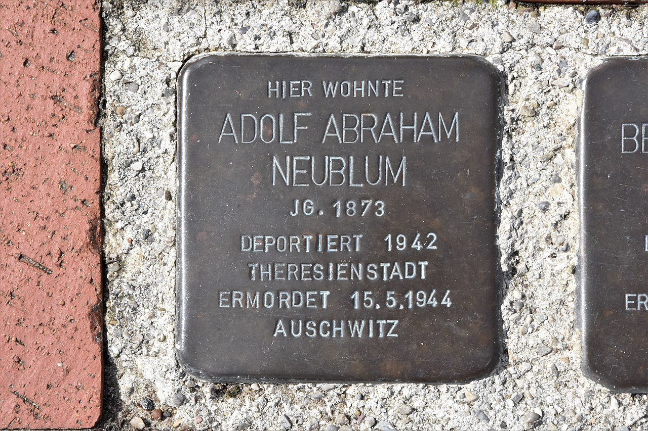Stolperstein für Adolf Abraham Neublum