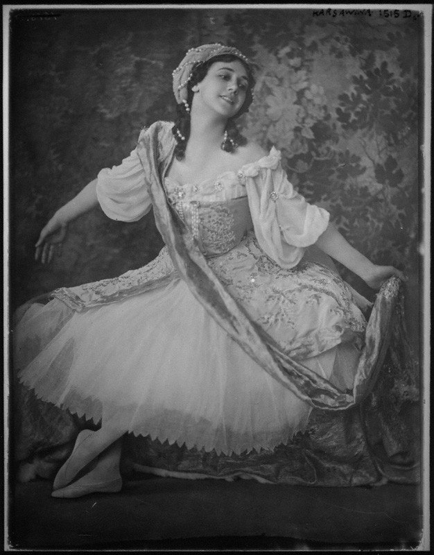 Tamara Karsavina as Armide in Pavillon d Armide 1911