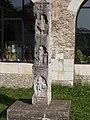 Tatai vár. Ószőnyi istenpillér. A négyszögletes alaprajzú, 280 cm magas oszlop négy oldalát tizenkét istenalak díszíti. ID 6470. - Tata.JPG