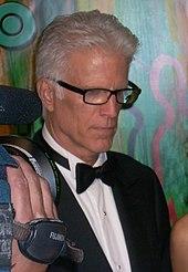 Foto de Danson ĉe la 60-a Primetime Emmy Awards en 2008