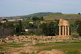 Temple of the Dioscuri - Valle dei Templi - Agrigento - Italy 2015.JPG