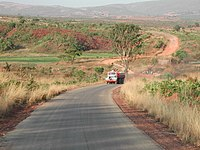 200px-Temporary_bridge_at_the_road_between_Ukuma_and_Huambo%2C_Angola