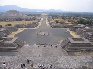 Teotihuacán (municipality) - View of the Avenue of the Dead and from the Pyramid of the Moon. The modern town is on the horizon