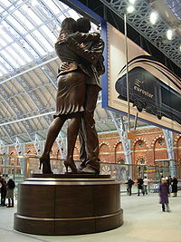 The Meeting statue at St Pancras Station.jpg