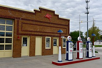Iowa Highway 146 - The old Pioneer Oil Company Filling Station in Grinnell