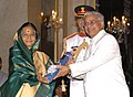 The President, Smt. Pratibha Devisingh Patil presenting the Padma Bhushan Award to Prof. Belle Monappa Hegde, at the Civil Investiture Ceremony-II, at Rashtrapati Bhavan, in New Delhi on April 07, 2010.jpg