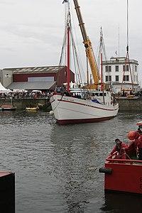 Tonnerres de Brest 2012 - Mise à l'eau Fée de l'Aulne 04.jpg