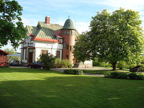 Kvinna vid Norlings garveri i Fors, Torsker. - Europeana