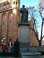 Torun pomnik Kopernika.jpg