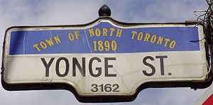 Yonge Street - Image: Town of North Toronto Sign