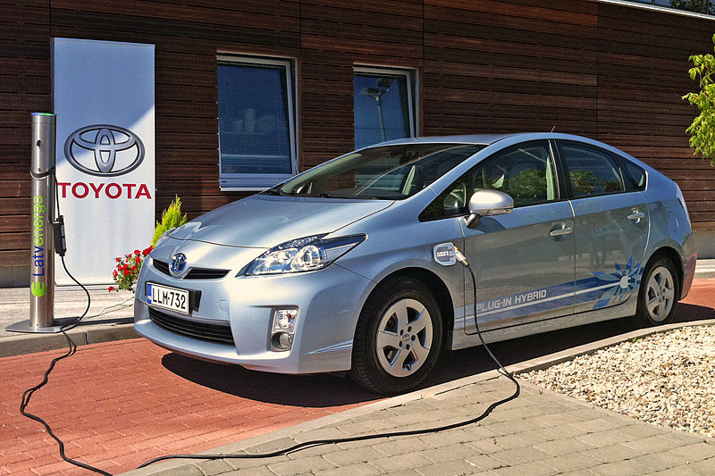 File:Toyota Prius Plug-in 2010 4 cropped.jpg