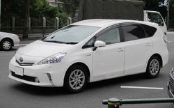 Toyota Prius α, Japan