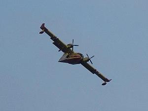 Training of Canadairs at Beaulieu 08.jpg