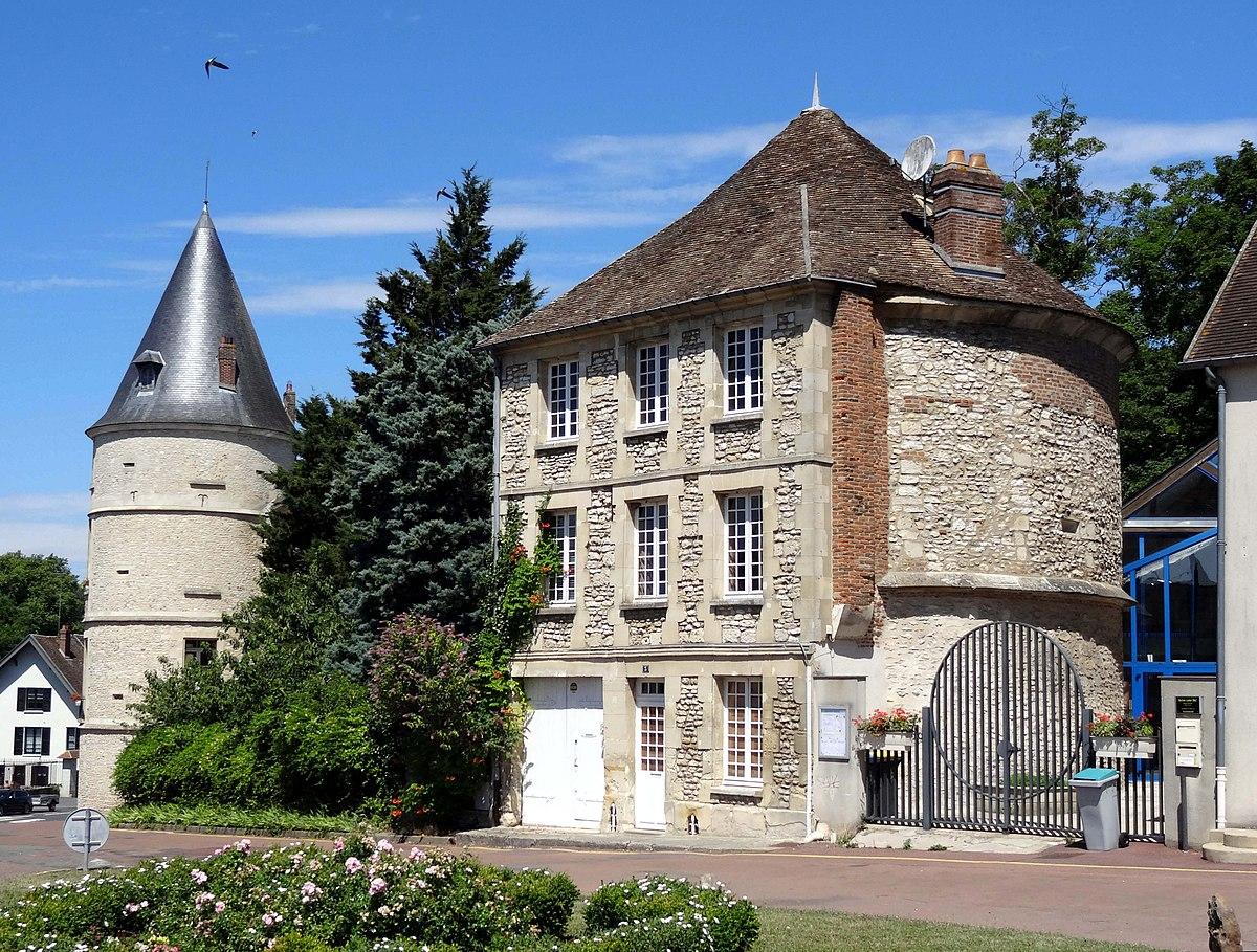 Trie ch teau wikipedia wolna encyklopedia for Piscine trie chateau