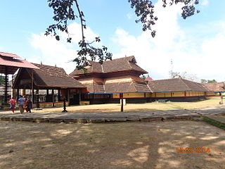Mannar Thrikkuratti Mahadeva Temple Hindu temple in Kerala, India