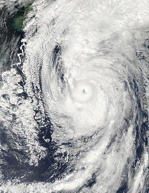 Typhoon Roke (2011) - Image: Typhoon Roke Sep 20 2011