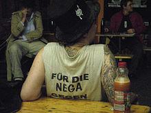 Berliner Punkerin im Freien durchgefickt