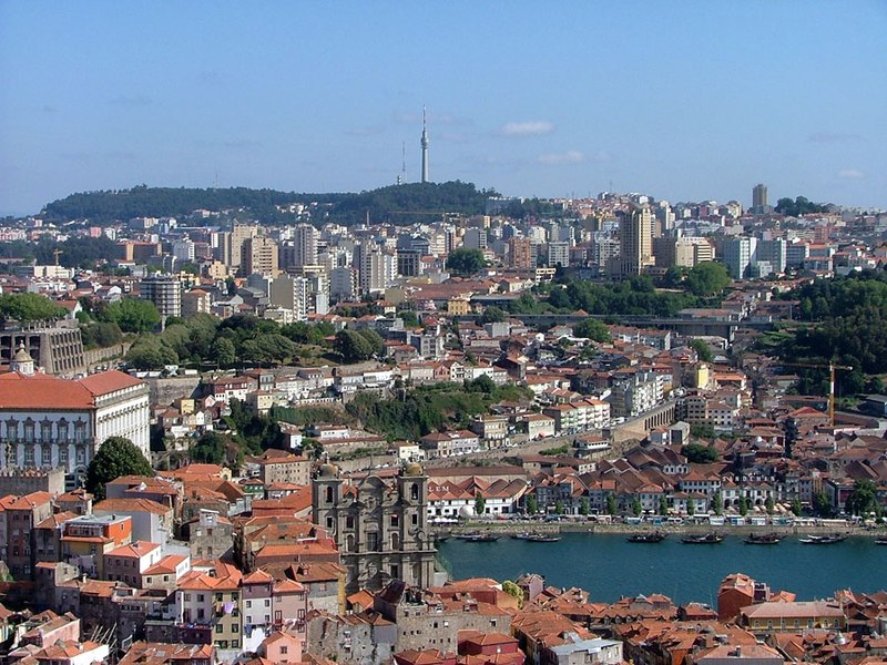 Image:Vila Nova de Gaia seen from Porto.jpg
