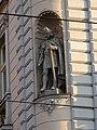 Vinohrady, Vinohradská 62, Nitranská 19, socha.jpg