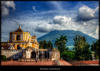 Volcan de Agua, Antigua (4137249125).jpg