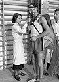 Warschau Centraal Instituut voor Lichamelijke Oefening student in sportkostuum, Bestanddeelnr 190-1337.jpg