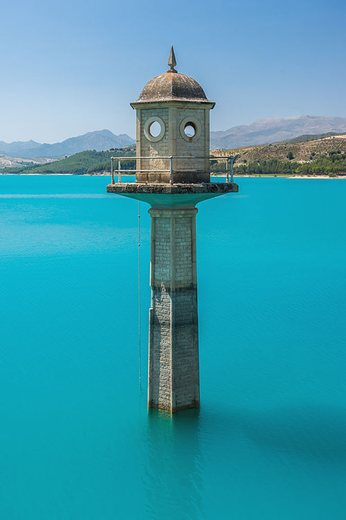 Watch tower of the dam, Embalse de los Bermejales, Andalusia, Spain.jpg