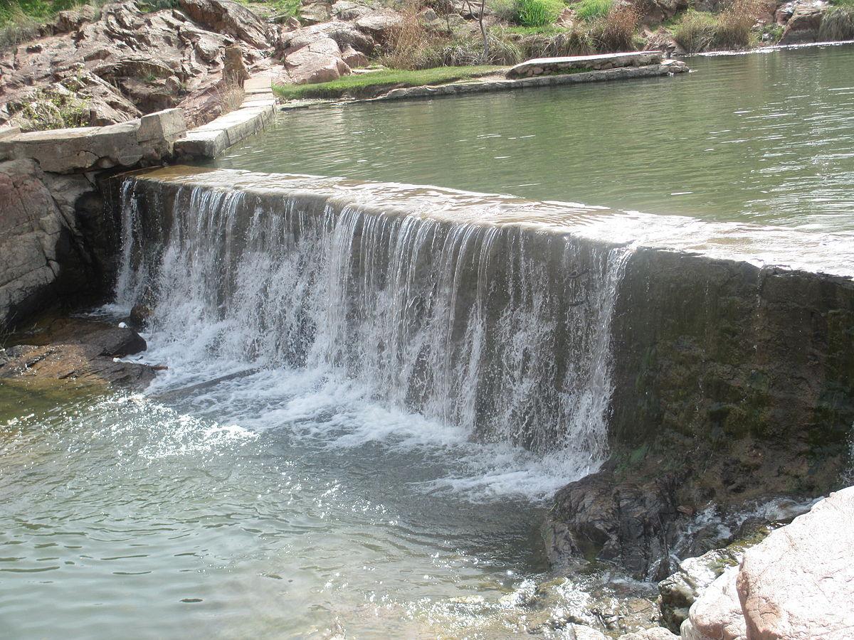 1200px Waterfall_at_Medicine_Park_Creek%2C_OK_IMG_6987