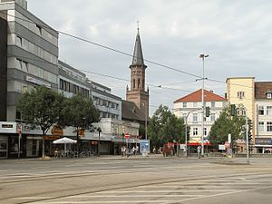 Wattenscheid - Image: Wattenscheid, straatzicht Bahnhofstrasse met Friedenskirche Dm A027 foto 1 2013 07 28 10.47