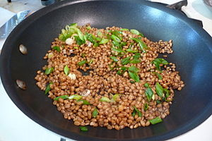 Wheat berry - Image: Wheatberries sauteed with spring onion